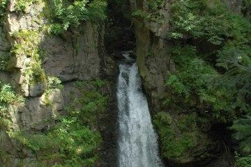 Přírodní rezervace s vodopádem Wilczki, Polsko (28 km)