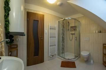 koupelna-v-podkrovi-7796-