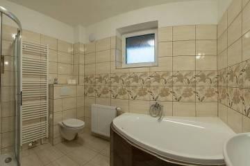 koupelna-v-prizemi-da6f-